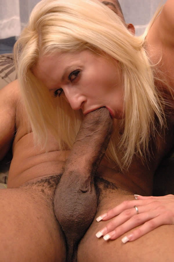 blonde mom sucking nude