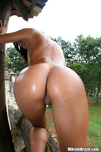 brazilian nude booty chicks