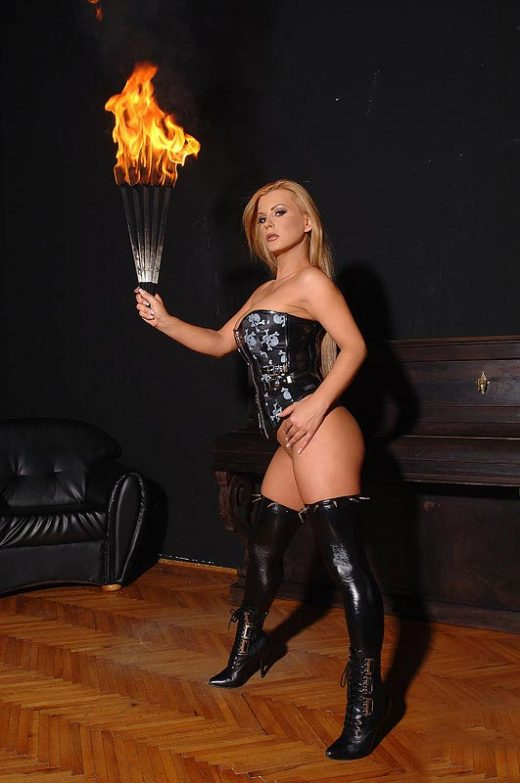 fiery hot fetish babe